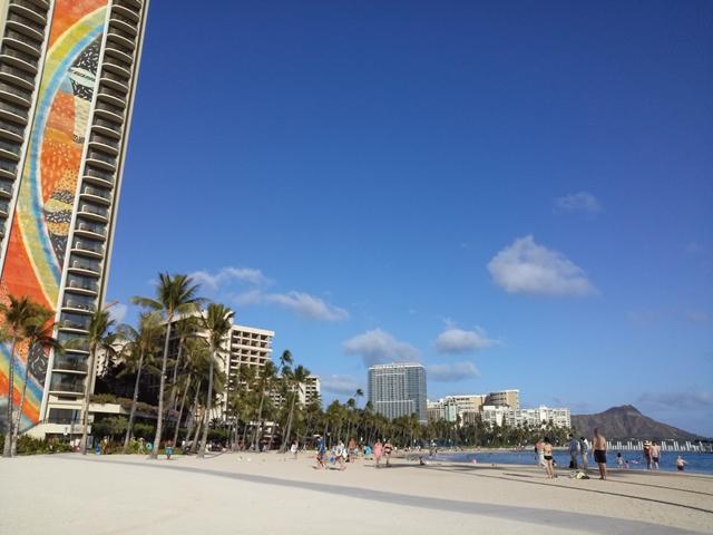 ハワイ レインボータワー ビーチ